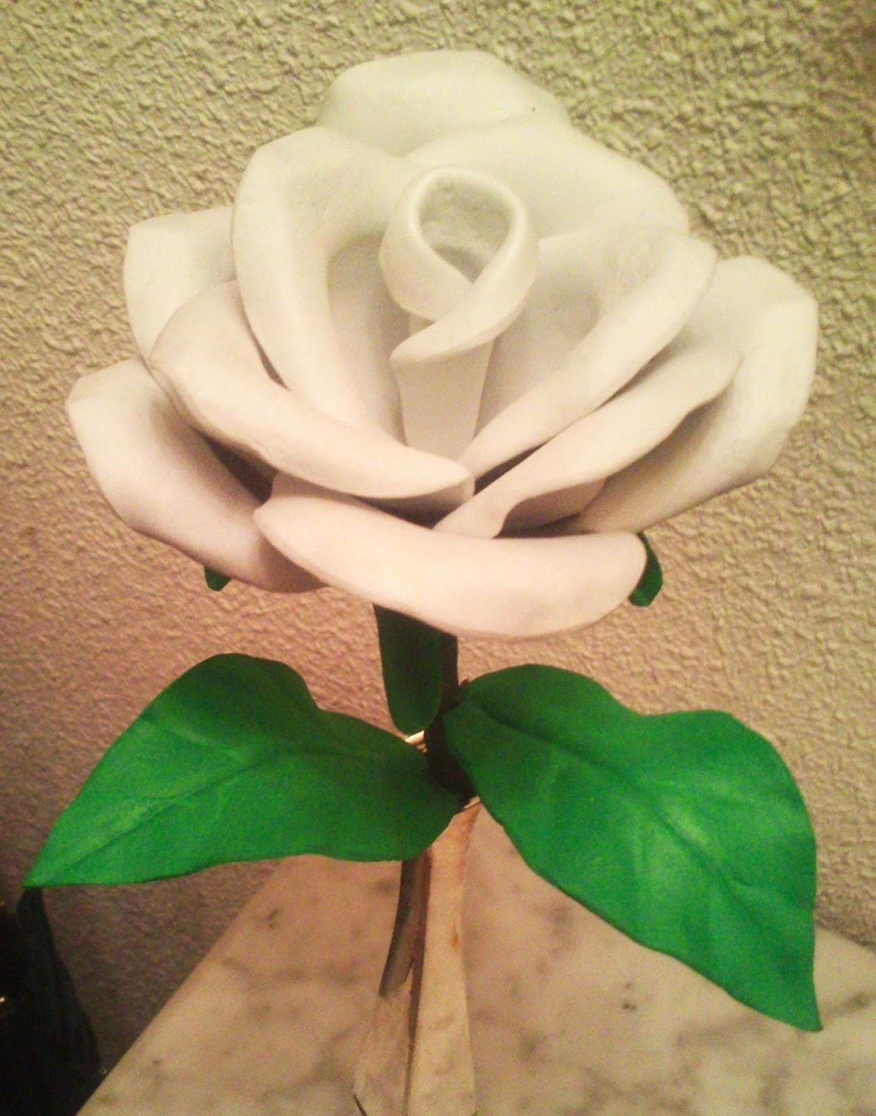 Lindas rosas feitas de EVA