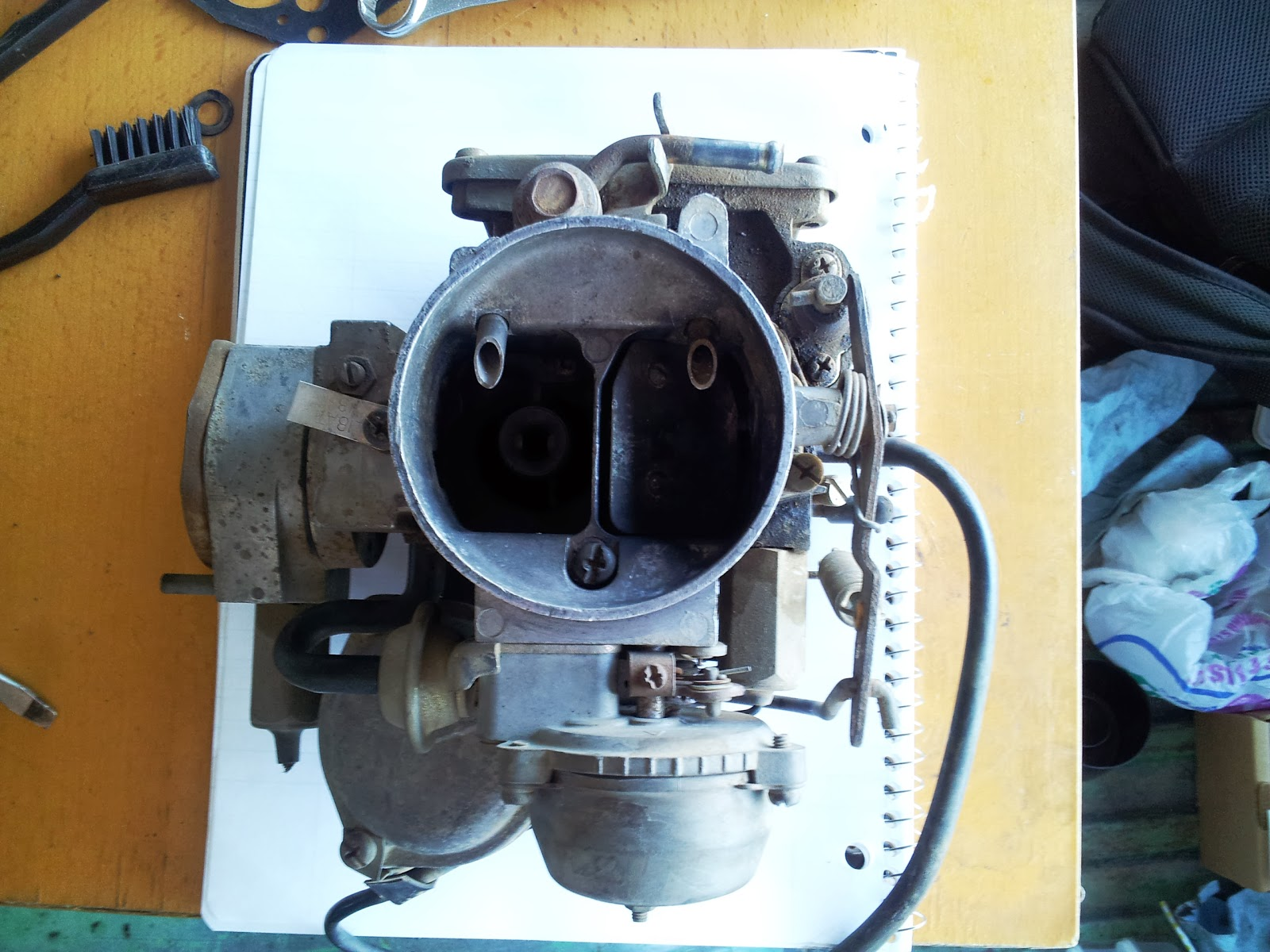 Random Hobbies: Disassembling of a Hitachi carburetor for a