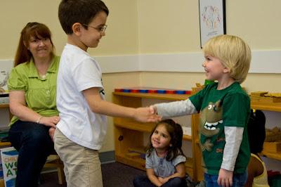 Materi dan Soal Bahasa Inggris Introducing Oneself and Others Kelas 7 SMP