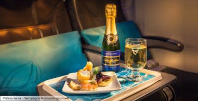 Plateau Repas en cabine Air Austral , pour profiter de la promo pour un voyage à la Réunion.