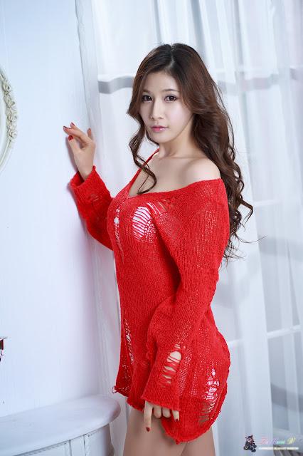 xxx nude girls: Hwang Ga Hi in Hot Red