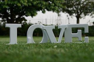 """Letras """"love"""" para boda"""