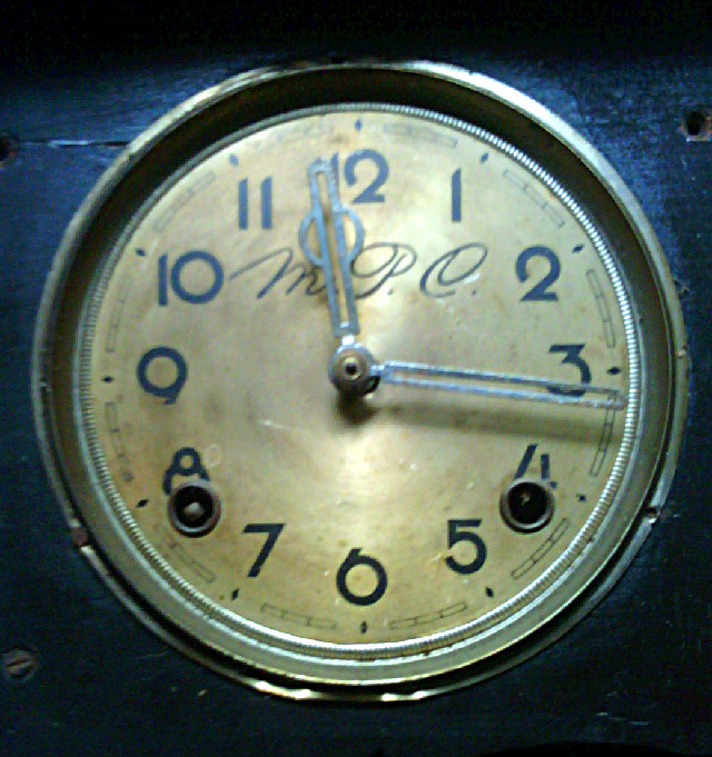 Jam dinding kecil merk M.P.C lubang 2 ef637e2234