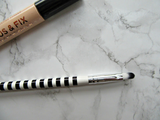 Lidl Concealer Brush Black and White