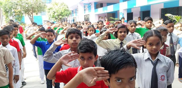 कमला नेहरू पब्लिक स्कूल फरीदाबाद ने मनाया में लेबर डे Kamra Nehru Public School celebrates Labor Day in Faridabad