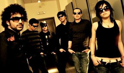Foto de integrantes de Insite con lentes oscuros