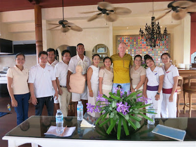 Box jelly fish awareness and prevention presentation at Zazen Boutique Resort & Spa in Bophud