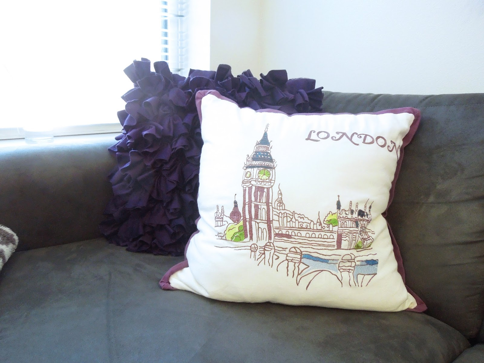 Sew Cute College Series College Apartment Living Room Tour