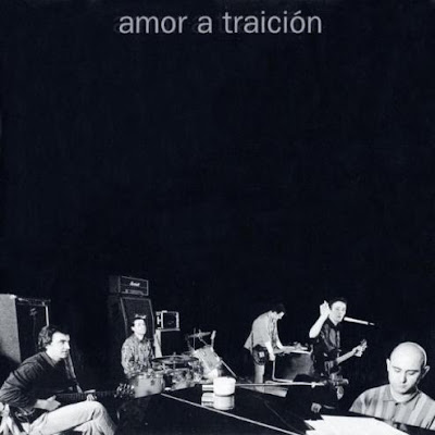 disco AMOR A TRAICIÓN