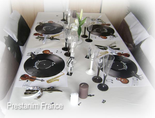 ma d coration de mariage table anniversaire th me musique et instruments. Black Bedroom Furniture Sets. Home Design Ideas