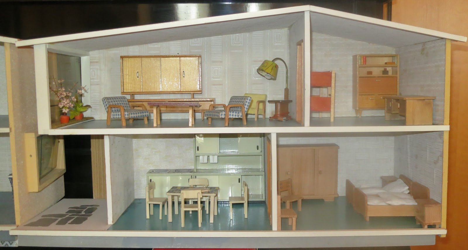 diepuppenstubensammlerin chronologie vero chronology. Black Bedroom Furniture Sets. Home Design Ideas