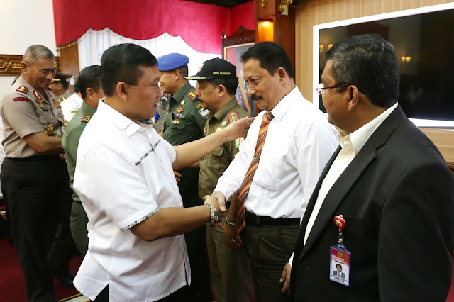 Plt. Gubernur Aceh Lantik Satgas Sapu Bersih Pungli