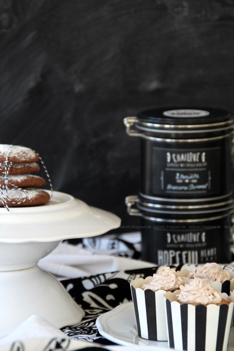 Give-Away Blogger Chailove, Chai-Latte-Cookies mit Schokokern, Chai-Latte-Cupcakes mit Milkywayfüllung,Foodblog,