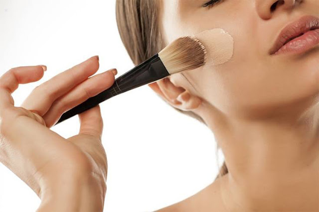 How to Apply Foundation Correctly in Your Make Up