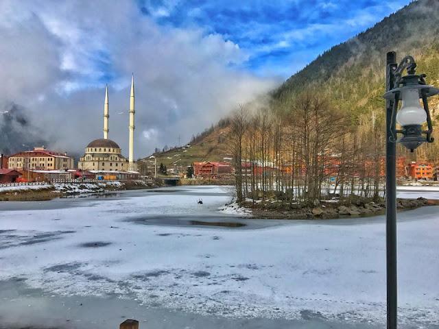 Πάγωσε και φέτος, η λίμνη Σαράχο στο Uzungöl στην Τραπεζούντα (Video)