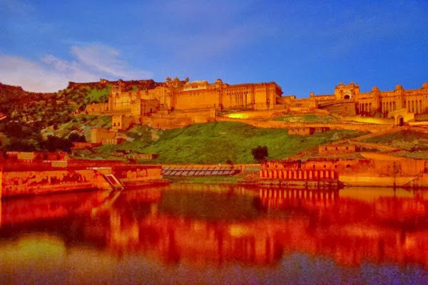 night views of Amber fort from outside