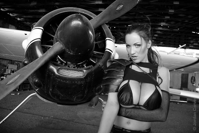 Jordan-Carver-Airplane-HD-Photoshoot-Image_5