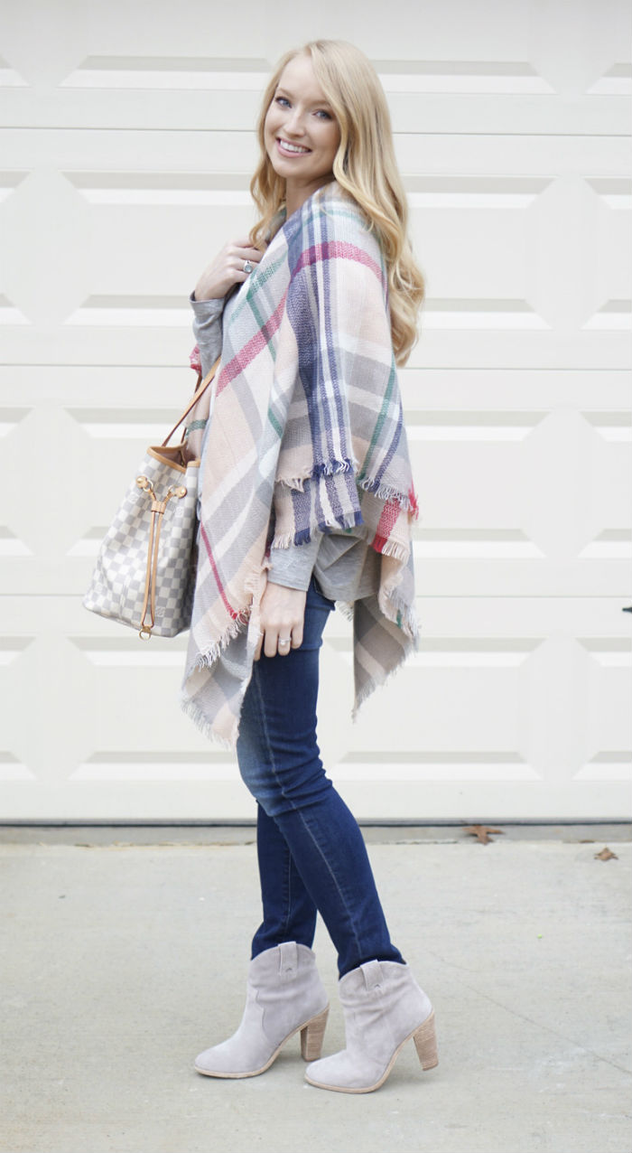 pink and gray blanket scarf, blanket scarf, styling a blanket scarf, strawberry chic, Atlanta bloggers