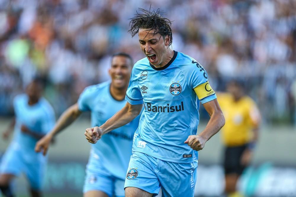 33cbbbb282 O Grêmio mostrou que a derrota para o River Plate não abalou o emocional do  time. No primeiro confronto após a eliminação na Libertadores