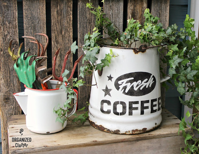 Stenciling A Couple Fun Garden Junk Pieces #stencils #oldsignstencils #gardenjunk #outdoordecorating #rusticgarden #containergarden #coffeedecor