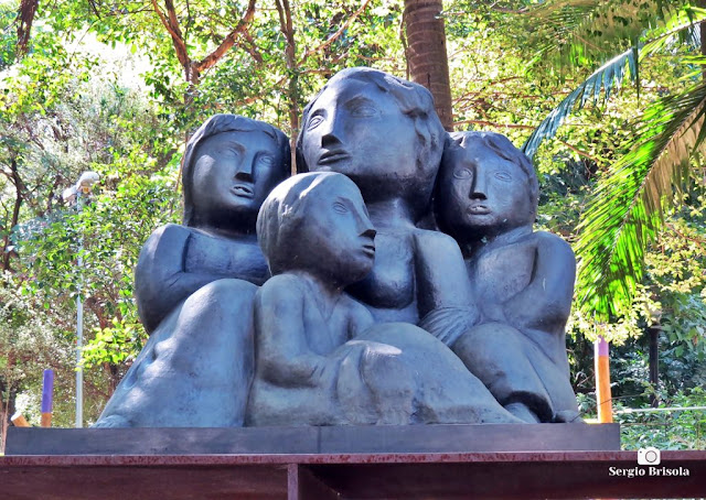 Close-up da Escultura Emigrantes - Parque Buenos Aires - Higienópolis - São Paulo