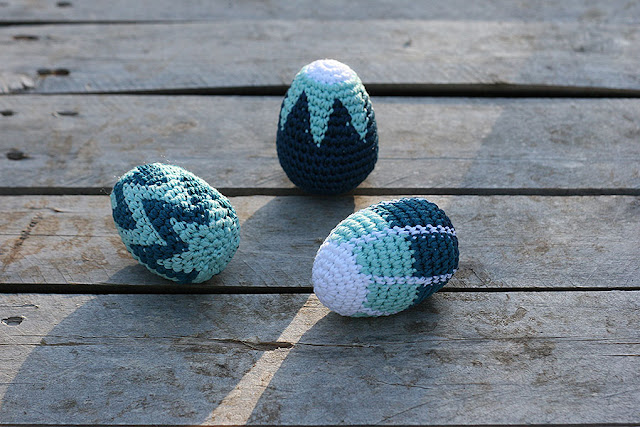 Crochet easter eggs, tapestry crochet pattern