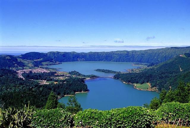 Lagoa Azul e Lagoa Verde da Caldeira das Sete Cidades