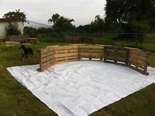 como construir una piscina de pallets de madera reciclados 1