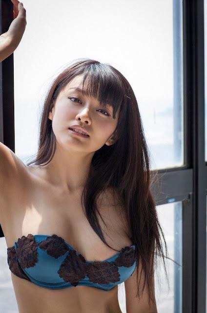 Mari Yamachi 山地まり Sexy Lingerie Images 14