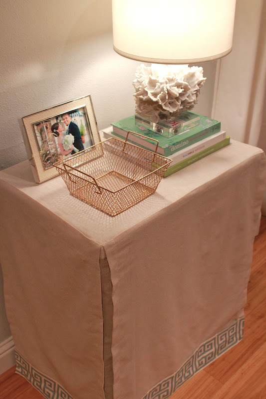 Fresh and Fancy: {DIY} Skirted Table Cover