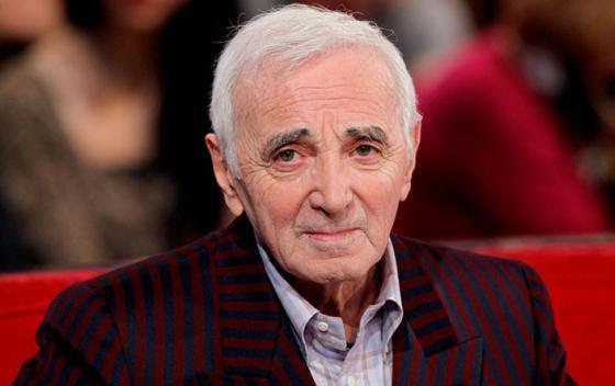 Charles Aznavour recibe la Orden del Sol Naciente de Japón