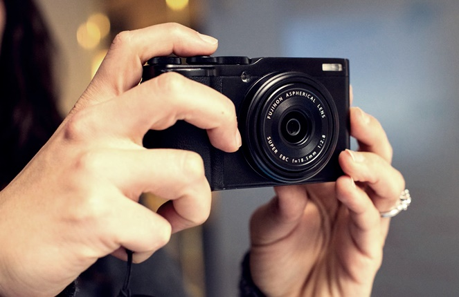 Teknik memotret dan cara memegang kamera digital