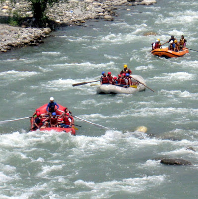 River rafting at Tattapani