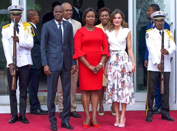 Queen Letizia attended a lunch held by President of Haiti, Jovenel Moïse at the Presidential Palace. Queen visited Haiti National Museum (MUPANAH)