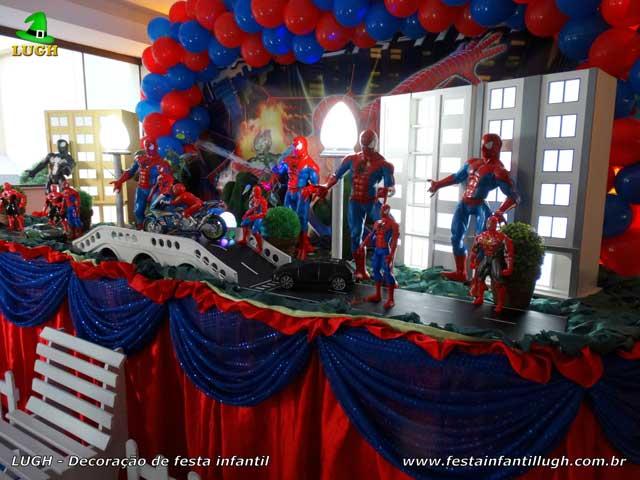 Decoração de festa infantil tema do Homem Aranha - Mesa decorativa de aniversário