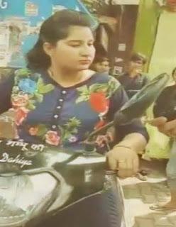 बिना हेलमेट लड़की को ट्रैफिक पुलिस ने रोका तो देने लगी गालियां-girl-without-helmet-stopped-by-traffic-police-in-haryana-abuses-cops-threatens-them