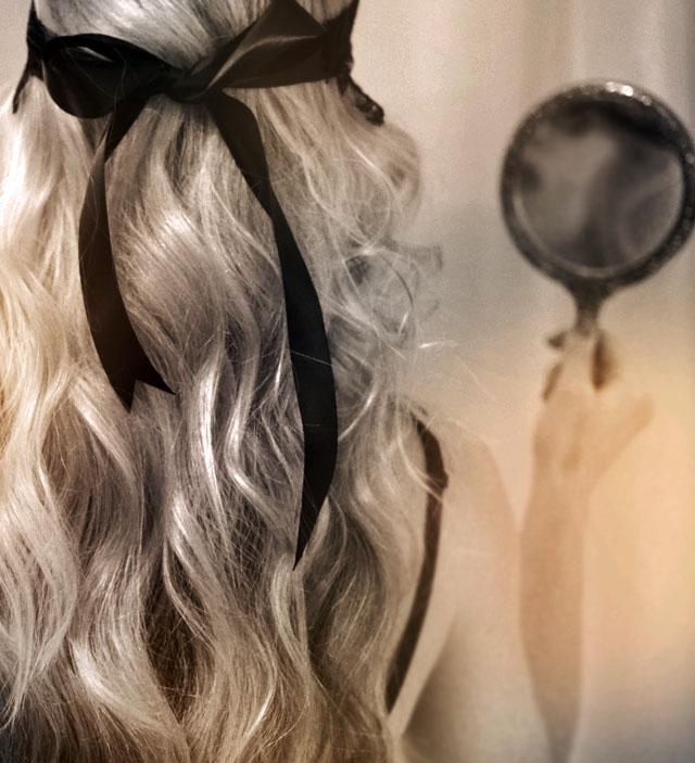 soft beachy waves, hair with black bow