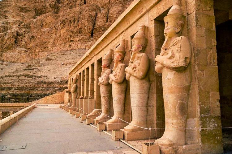 O dönem Antik Mısır gelişerek zenginleşmişti, Deir el-Bahari'deki tapınak bunun kanıtıydı.