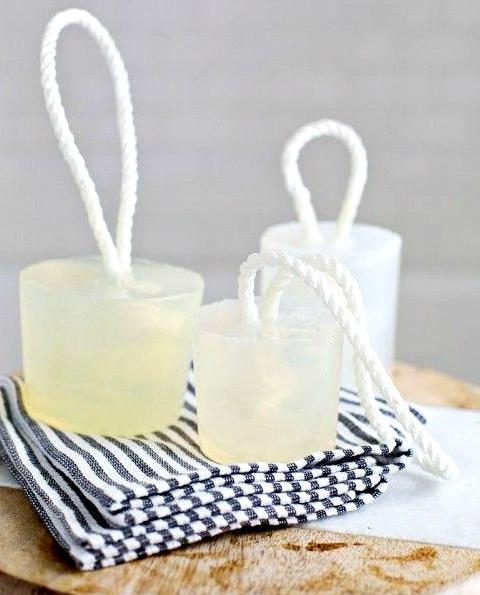 DIY Nautical Soaps on a Rope