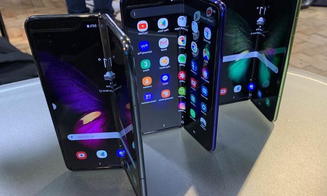 Broken screens delay launch of Samsung Galaxy Fold - rictasblog