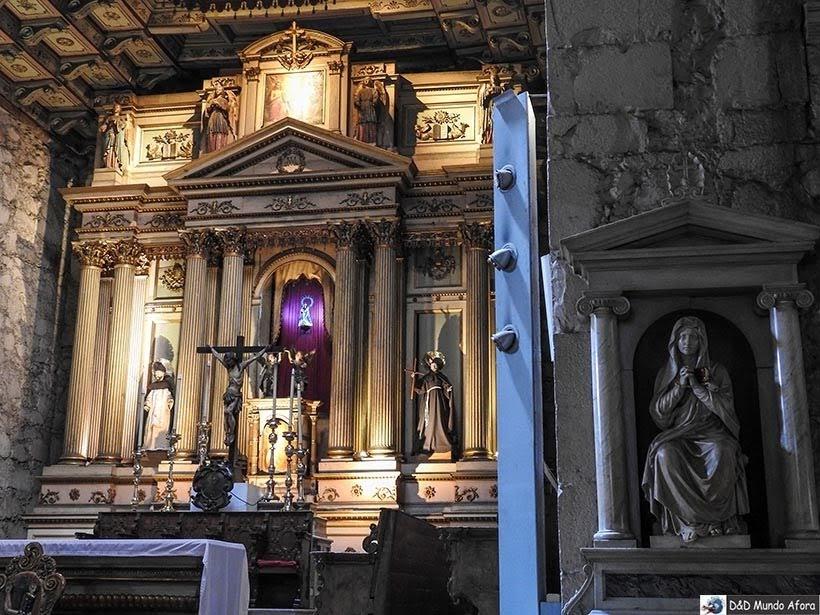 Altar da Igreja de São Francisco - o que fazer em Santiago