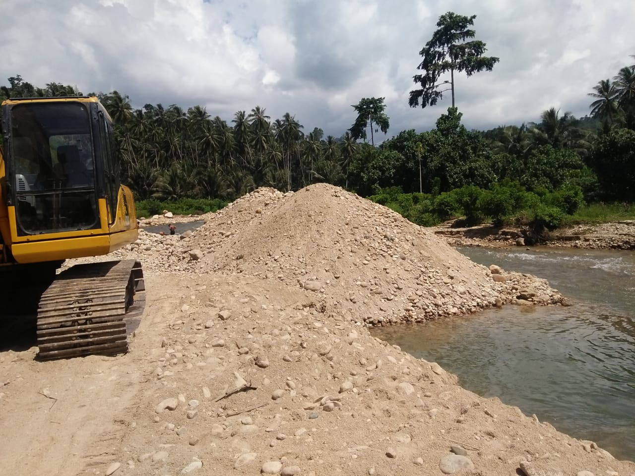 Aktivitas tambang Malulu