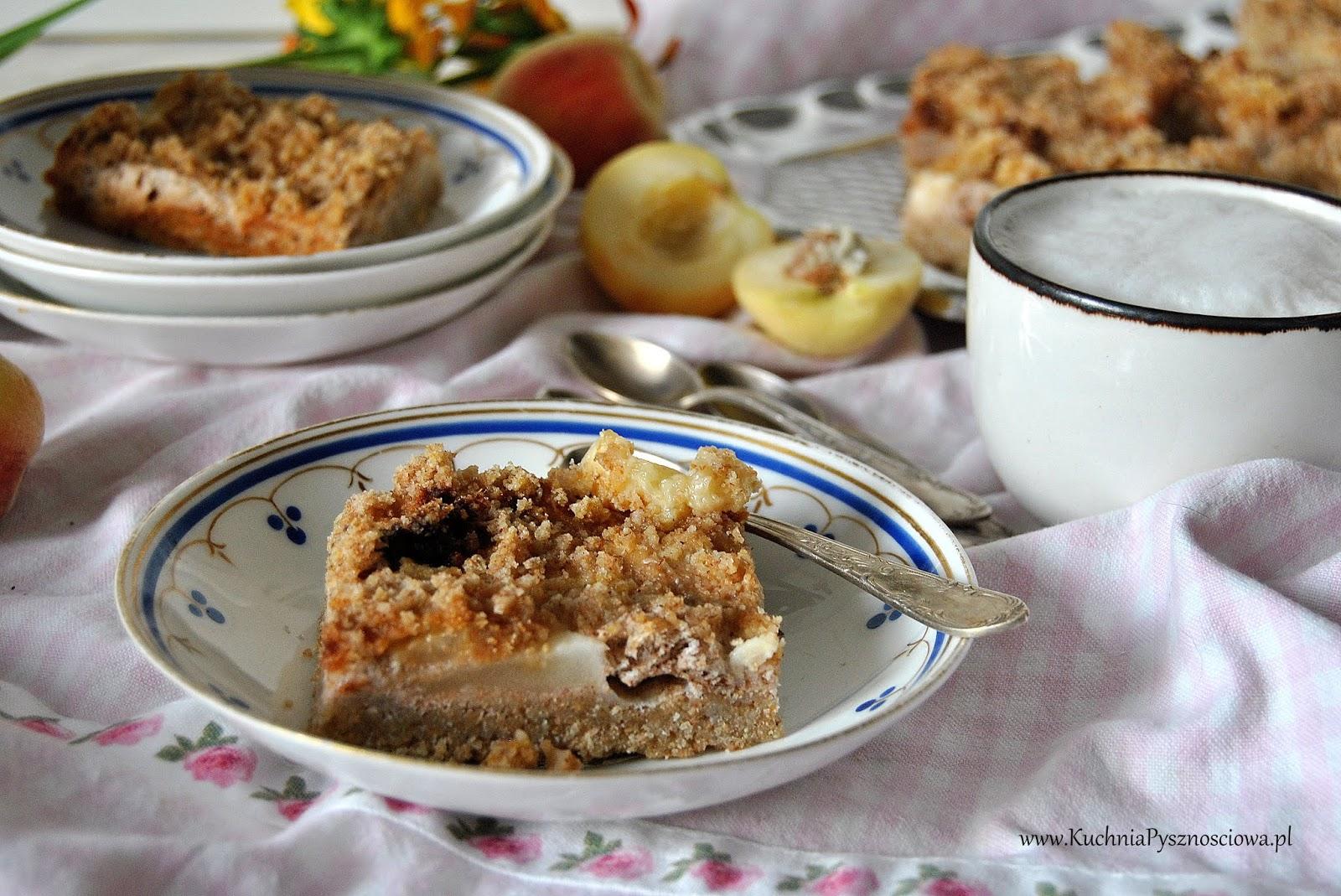 630. Ciasto orkiszowe z kefirem i brzoskwiniami