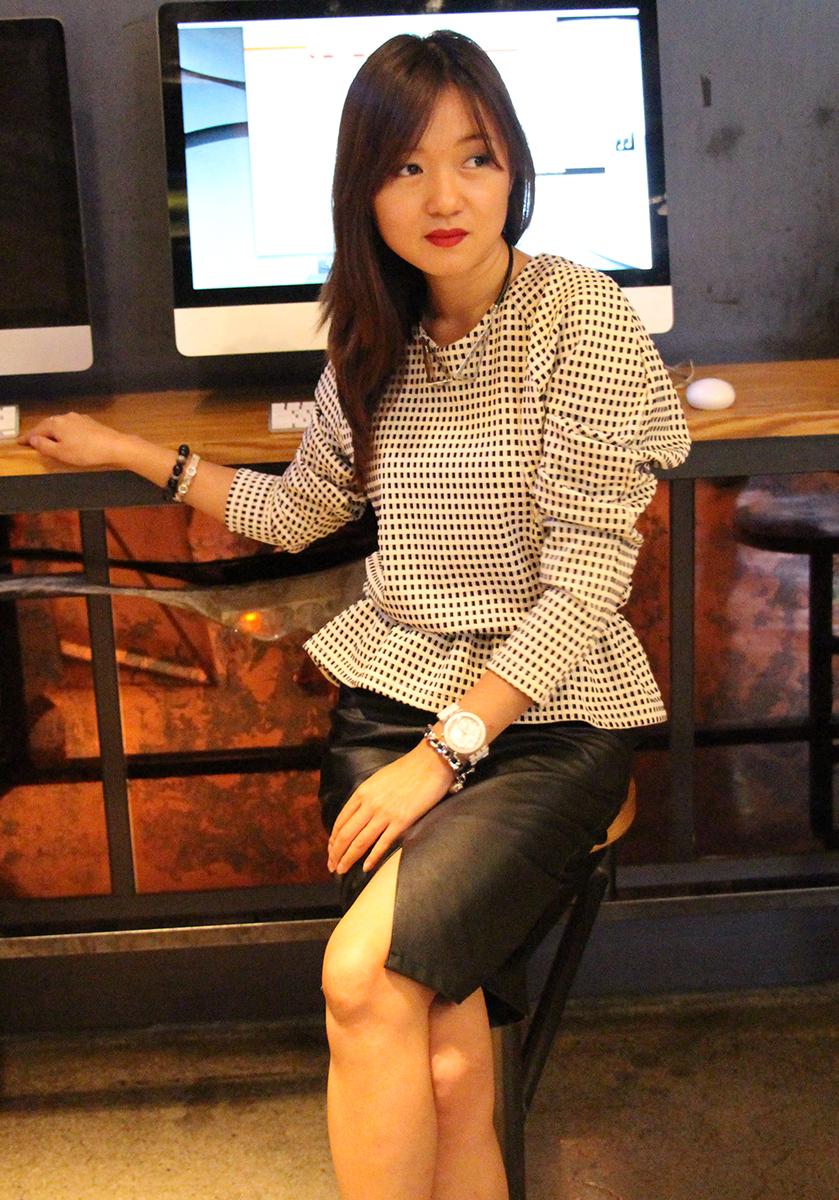 office look, skirt, seoul, fashionblogger, zoyaslookbook, пепелум, офисный стиль, мода, красота, новые фешн идеи, часы, кожаная куртка, подвеска