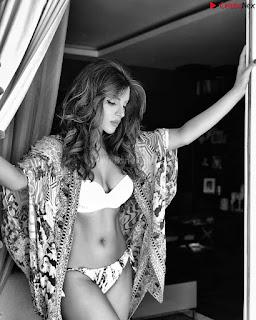 Shama Sikandar Beautiful Stunning Deep neck Gowns Bikini Inners 009.jpg