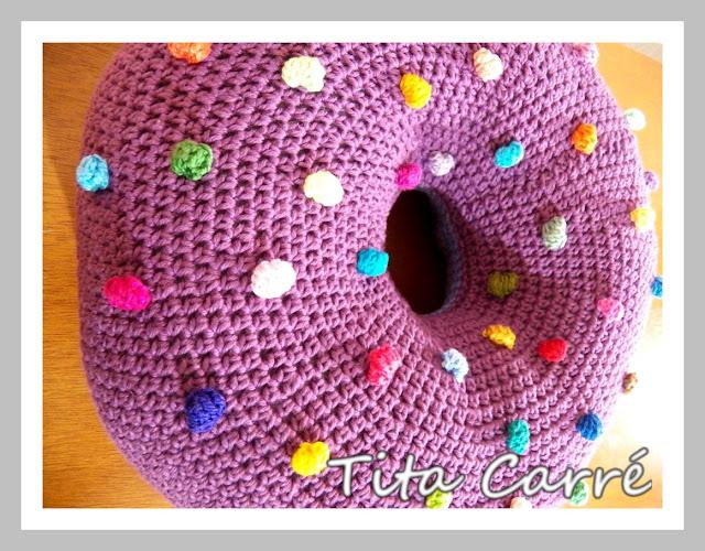 Almofada Donut em crochet pillow