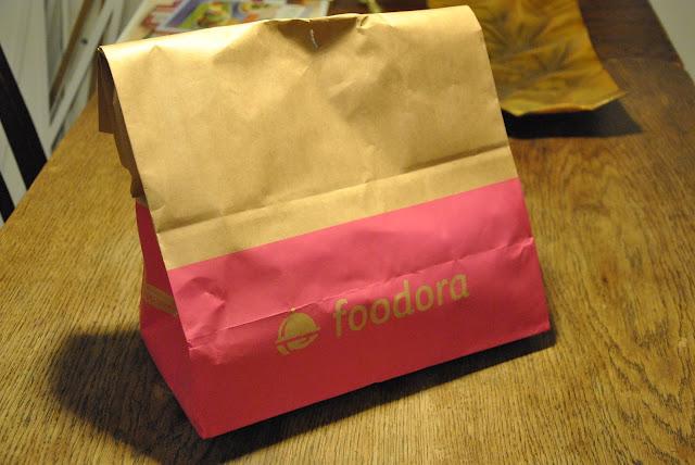 Foodora Tüte mit Essen drin