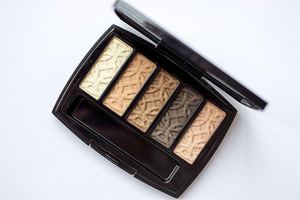 chanel-les-5-ombres-de-chanel-eyeshow-palette-in-entrelacs-review