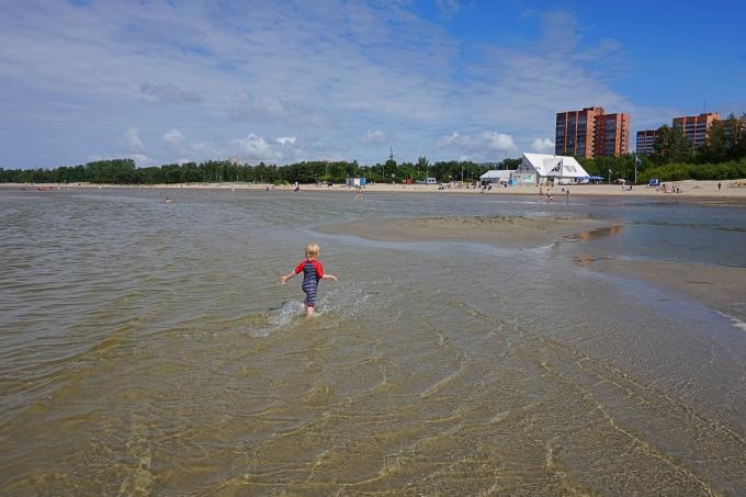 Kokemuksia Tallinnan uimarannasta lasten kanssa / Stromin hiekkaranta