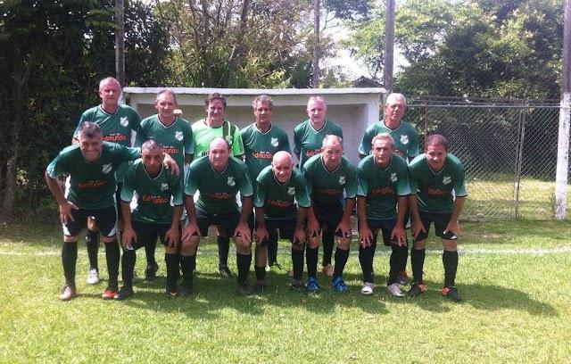 50tinhas e Master 45 movimentam o futebol em Colombo